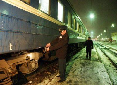 В Пермском крае семь вагонов поезда сошли с рельсов